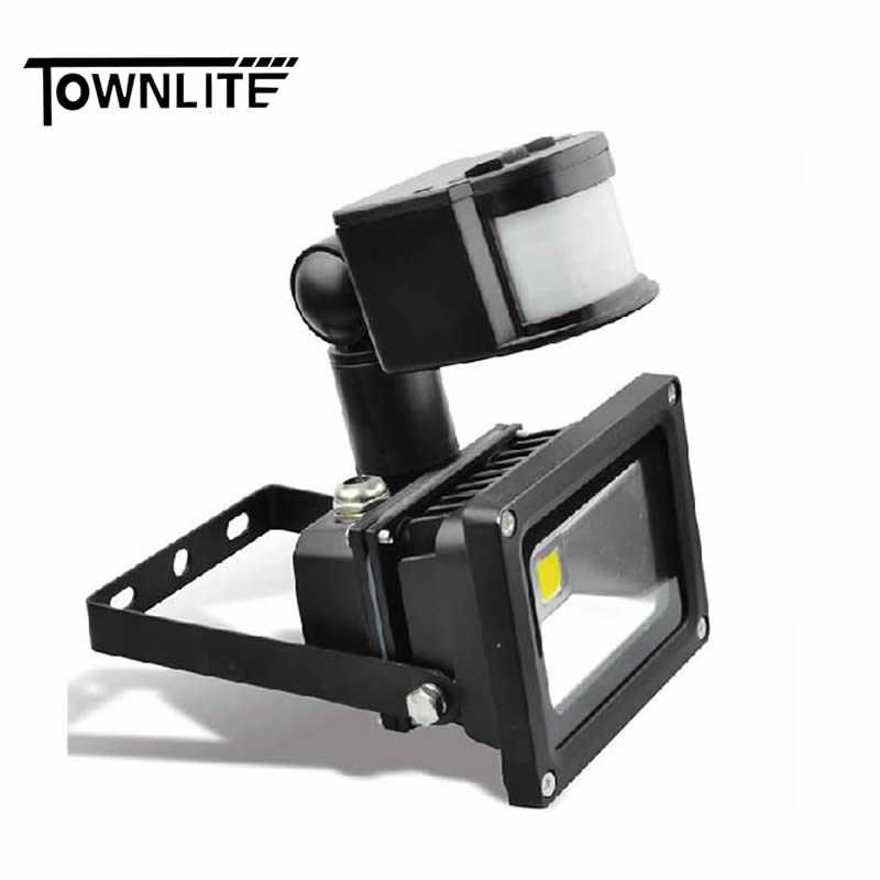 LED FLOOD LIGHT WITH SENSOR